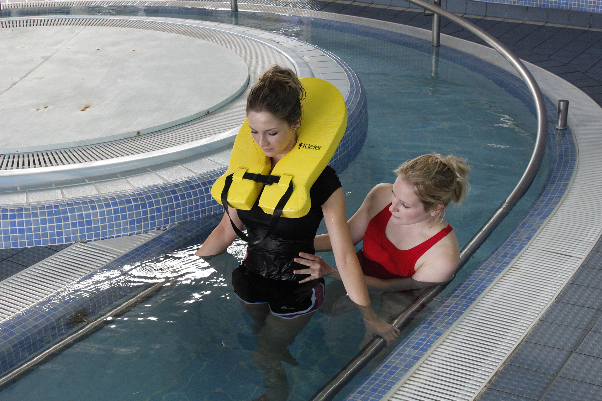 Physiotherapy in pool with manchester neuro physio